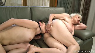Young brunette Linda Love is licking disgusting hairy snatch of old lesbian GF