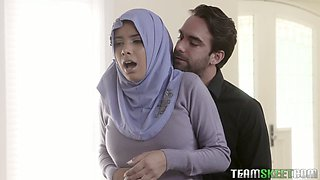 Arab wife in hijab Aaliyah Hadid gets her ass hole fucked