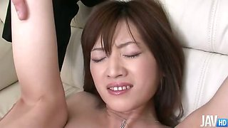 Kanon Hanai findss her face and pussy fucked at the same