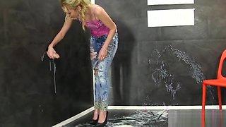 Babe gets bukkake sprayed