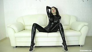 Queen latex