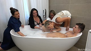 Guy in the tub suits all these matures with healthy fucking