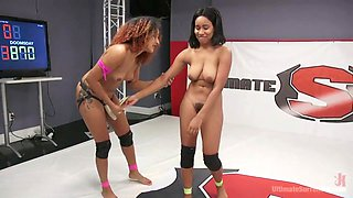 gorgeous ladies love wrestling