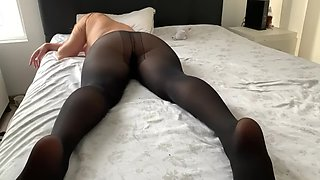 Stepdad fucks thick sleeping daughter