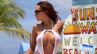 Pam bikini 1