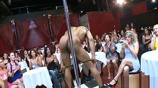 Lively and erotic pecker pleasuring