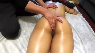 Latina Babe Gets A Relaxing Oiled Massage After Work - MamiandPapiXXX