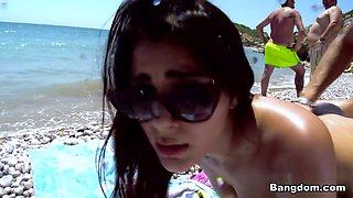 Valentina Nappi in Sexy chick fucked on the beach Video