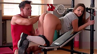 Fit teen getting fucked in the gym - really nice ass