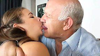 Kissing oldman