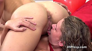 pissing fun ended with intense orgasms