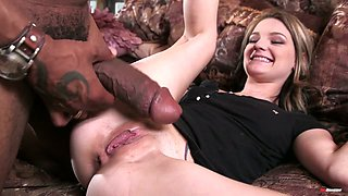 Hope Harper turns interracial BJ into such a sensual pussy banging workout