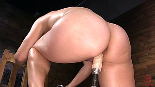 Delicious pussy of Helena Locke is testing new crazy fucking machine
