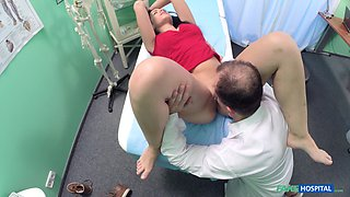 Insolent scenes on hidden cam with the doctor fucking a big ass teen