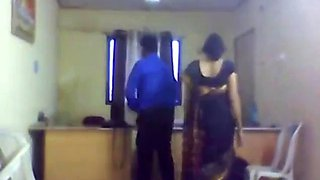 Indian mro fucks his lady pa office