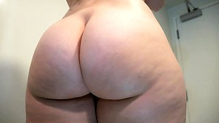 Seductive milf stripteases and reveals her delicious holes