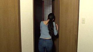NHDTA-821 - wife stuck and get fucked