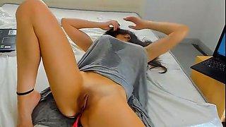 horny mommy has amazing orgasm on webcam