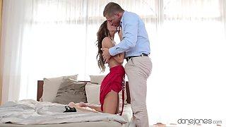 Hot romantic sex satisfies gorgeous Gina Devine in full