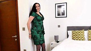 British housewife Leia goes wild