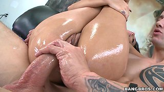 She Rides A Huge Dick And Receives Hot Cum On Her Pussy