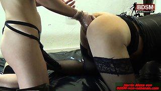German amateur crossdresser rough anal fisting in stockings