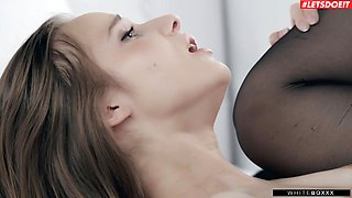 Romantic fucking on the bed with provocative GF Jessica Portman