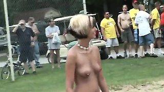 Scandalous public sexuality of amateurs girls