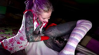 Kinky tattooed crossdresser gets his anal hole stretched out