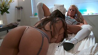 A lesbian experience is memorable for Yurizan Beltran and Anna Lovato