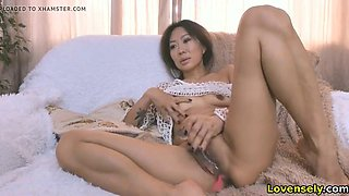 Mature asian woman having fun on webcam