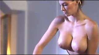 Masseuse with perfect big round titties blows him