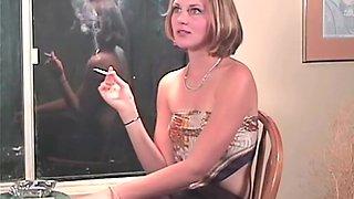 Lauren Smoking (Specialized)