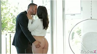 Brutal dude licks sweet fanny of his pretty raven haired sweetie