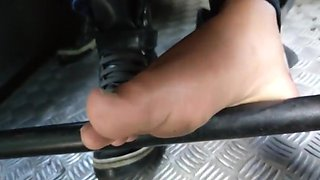 Candid teen girl feet in bus flats pies pieds foot fetish
