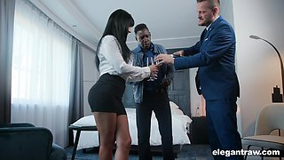 Valentina Ricci gets her pussy filled with two hard penises badly