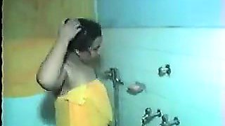 Indian Aunty Takes A Shower
