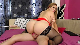 Big booty webcam milf in stockings bounces on a meat prick