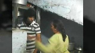 Desi Aunty in Kichan