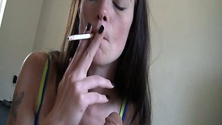 This bodacious slut knows how top give a killer BJ and she loves to smoke