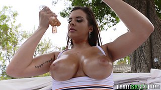 Nothing arouses Keisha Grey like a throbbing wiener in her mouth
