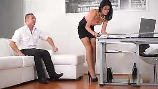 Office daydreamer fucks sexy secretary in the ass