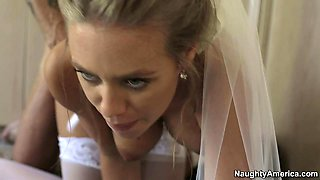 The bride Nicole Aniston swallows best man's jizz at the wedding day