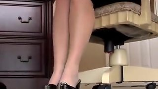 Annabelle Flowers – Another Pantyhose Foot Seduction
