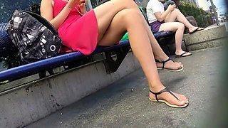 Street voyeur captures an elegant babe with sexy slim legs
