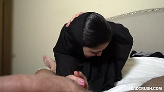 Modest Iranian stepdaughter Gabriela Lopez gives a blowjob for the first time