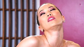 The horny boss wants to fuck his beautiful Asian secretary