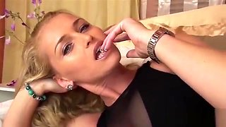 Glamour wife pov blowjob with cum in mouth