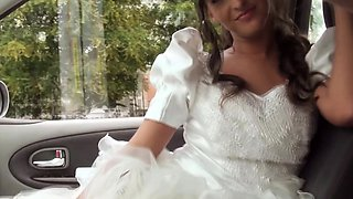Hitchhiking bride fucks her driver