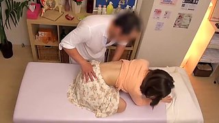 Old guy massaged hot Asian and they had hidden camera sex